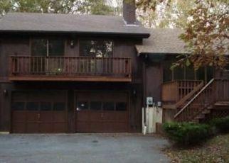 Pre Foreclosure in North Dartmouth 02747 FOX RUN TER - Property ID: 1568249269