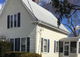 Pre Foreclosure in Whitman 02382 ERIN ST - Property ID: 1568253206