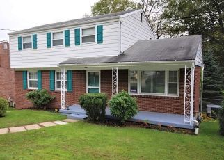 Pre Foreclosure in Pittsburgh 15235 CYPRESS HILL DR - Property ID: 1568481397