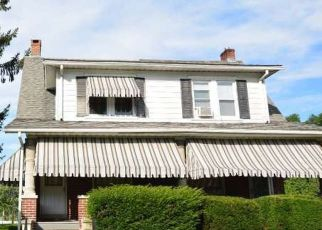 Pre Foreclosure in Reading 19607 PERSHING BLVD - Property ID: 1568570753