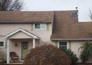 Pre Foreclosure in Old Bridge 08857 SUNRISE RD - Property ID: 1568606211
