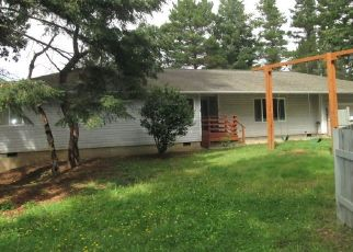 Pre Foreclosure in Bandon 97411 MORRISON RD - Property ID: 1568749886