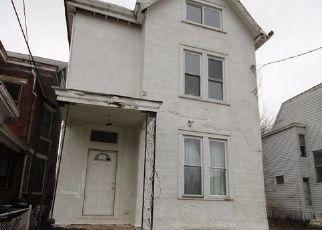 Pre Foreclosure in Cincinnati 45205 CONSIDINE AVE - Property ID: 1569023163