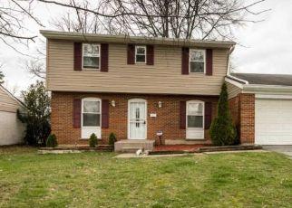 Pre Foreclosure in Cincinnati 45240 HINKLEY DR - Property ID: 1569044188