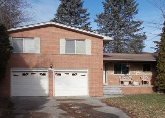 Pre Foreclosure in Southfield 48076 MEADOWBROOK WAY - Property ID: 1569110771