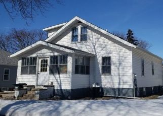Pre Foreclosure in Willmar 56201 MINNESOTA AVE SE - Property ID: 1569807587