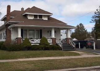 Pre Foreclosure in Saginaw 48602 N BATES ST - Property ID: 1569908311