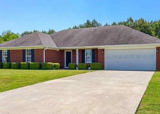 Pre Foreclosure in Harvest 35749 YELLOW POPLAR LN - Property ID: 1570190820