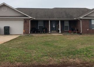 Pre Foreclosure in Huntsville 35811 LAUREL OAK RD - Property ID: 1570192566