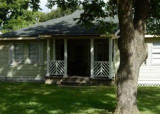Pre Foreclosure in Pasadena 77506 HANKAMER ST - Property ID: 1570363368