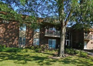 Pre Foreclosure in Palatine 60074 N WILKE RD - Property ID: 1570472424