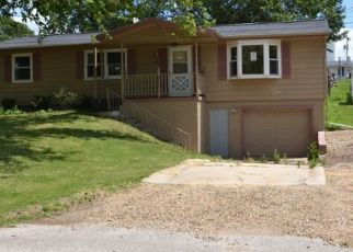 Pre Foreclosure in Williamsburg 52361 LAKESHORE DR - Property ID: 1570996683