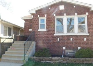 Pre Foreclosure in Chicago 60628 S CALUMET AVE - Property ID: 1571434214