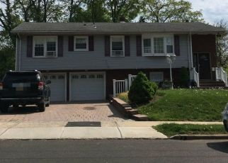 Pre Foreclosure in Somerville 08876 W BROWN ST - Property ID: 1571469697