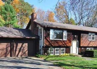 Pre Foreclosure in Windsor 06095 HOLLOW BROOK RD - Property ID: 1571538455