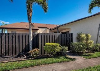 Pre Foreclosure in Lake Worth 33461 WATERVIEW CIR - Property ID: 1571679932