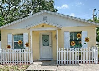 Pre Foreclosure in Mount Dora 32757 ROBIE AVE - Property ID: 1571686946