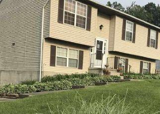 Pre Foreclosure in Gwynn Oak 21207 SPRING MILL CIR - Property ID: 1572602740