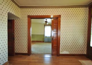 Pre Foreclosure in Baltimore 21206 LINDEN AVE - Property ID: 1572607103
