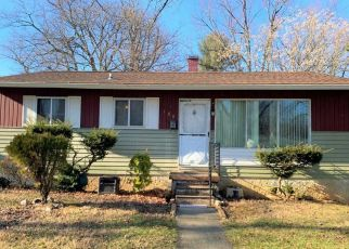 Pre Foreclosure in Owings Mills 21117 OAKMERE RD - Property ID: 1572642142