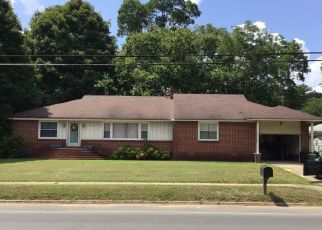 Pre Foreclosure in Collinsville 35961 S VALLEY AVE - Property ID: 1572824797