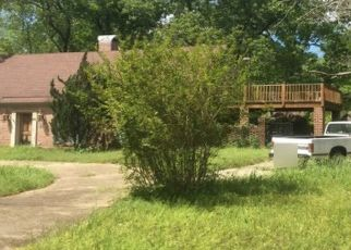Pre Foreclosure in Millbrook 36054 PINELEAF DR - Property ID: 1572850627