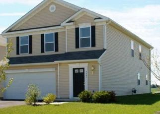 Pre Foreclosure in Canal Winchester 43110 TOWN HILL DR - Property ID: 1573007873