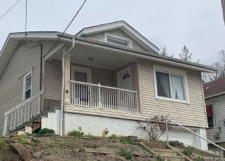 Pre Foreclosure in Cincinnati 45215 E VINE ST - Property ID: 1573101140