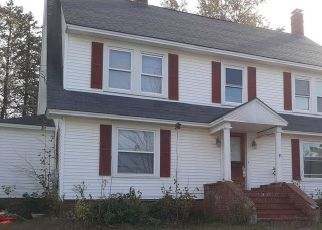Pre Foreclosure in Lewiston 04240 SHIRLEY ST - Property ID: 1573222916