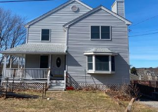 Pre Foreclosure in Saugus 01906 PINEHURST RD - Property ID: 1573269779