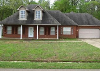 Pre Foreclosure in Atoka 38004 JE BLAYDES PKWY - Property ID: 1573472102