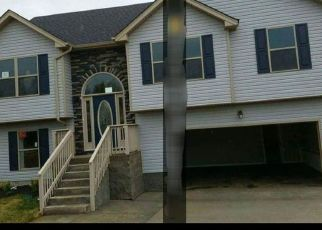 Pre Foreclosure in Clarksville 37042 FREEDOM DR - Property ID: 1573500134