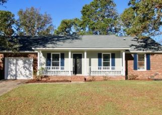 Pre Foreclosure in Fayetteville 28314 REEDY CREEK DR - Property ID: 1573788777