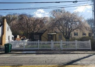 Pre Foreclosure in Woonsocket 02895 MENDON RD - Property ID: 1574235503