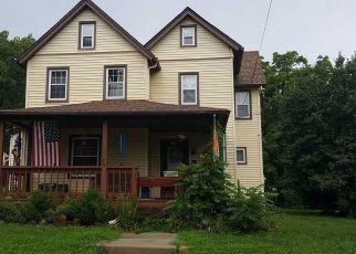 Pre Foreclosure in Pitman 08071 CEDAR AVE - Property ID: 1574527631
