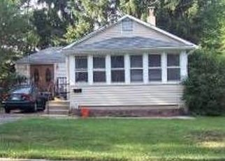 Pre Foreclosure in Warminster 18974 5TH AVE - Property ID: 1574591576