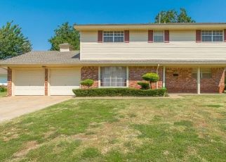 Pre Foreclosure in Oklahoma City 73120 CARLTON WAY - Property ID: 1574890712