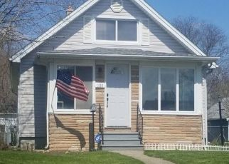 Pre Foreclosure in Waterford 48328 LA SALLE AVE - Property ID: 1575054516