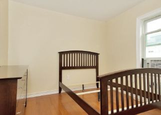 Pre Foreclosure in Bronx 10465 FEARN PL - Property ID: 1575187661