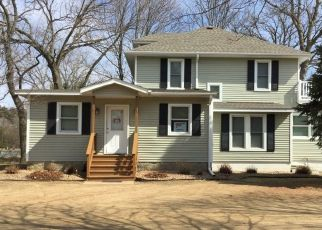 Pre Foreclosure in Saint Paul 55110 FOREST BLVD - Property ID: 1575640970
