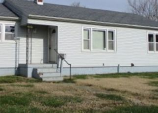 Pre Foreclosure in Huntingburg 47542 E 1ST AVE - Property ID: 1576079817