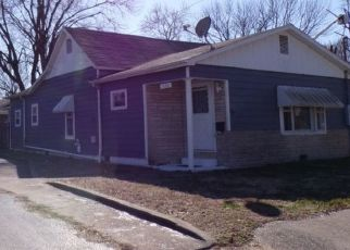 Pre Foreclosure in Benton 62812 BURKETT ST - Property ID: 1576106529
