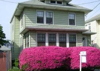 Pre Foreclosure in Staten Island 10302 CATHERINE ST - Property ID: 1576168724
