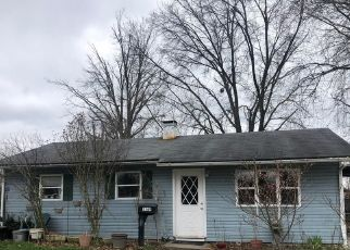 Pre Foreclosure in Indianapolis 46222 NORMANDY RD - Property ID: 1576441132