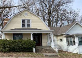 Pre Foreclosure in Fort Wayne 46807 S WAYNE AVE - Property ID: 1576499382