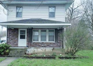 Pre Foreclosure in South Bend 46628 QUINCE RD - Property ID: 1576550186
