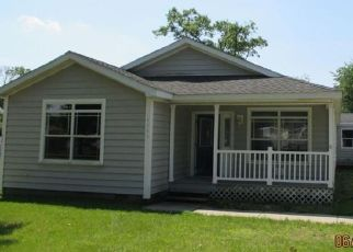 Pre Foreclosure in Demotte 46310 E 1040 N - Property ID: 1576574276