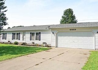Pre Foreclosure in Elkhart 46514 CRYSTAL POND DR - Property ID: 1576581282