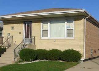 Pre Foreclosure in Calumet City 60409 MUSKEGON AVE - Property ID: 1576711367