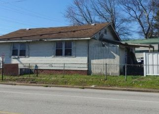Pre Foreclosure in Chattanooga 37407 E 28TH ST - Property ID: 1577203201